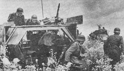 Высадка панцергренадеров из бронетранспортера Sd Kfz 251